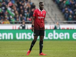 Salif Sané verlässt Hannover Richtung Gelsenkirchen