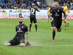 Mikael Ishak (l.) erzielte einen Doppelpack für den 1. FC Nürnberg