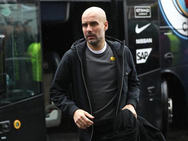 Guardiola se baja del bus para medirse al Burnley. (Foto: Getty)