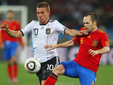Lukas Podolski und Andres Iniesta haben oft gegeneinander gespielt