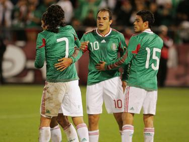 Cuauhtémoc Blanco con el número 10 en su último Mundial con México en 2010. (Foto: Getty)