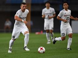 Stand für Vissel Kobe 90 Minuten auf dem Feld: Lukas Podolski (l.)