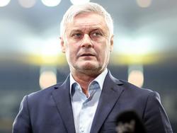 Armin Veh muss sich auf die Suche nach einem neuen Sportdirektor machen