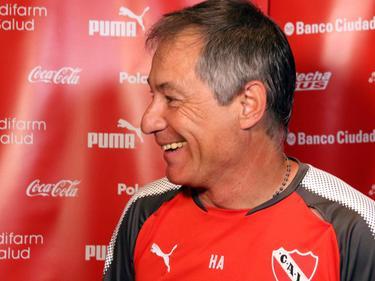 Ariel Holan seguirá dirigiendo a Independiente. (Foto: Imago)