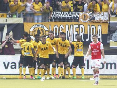 De spelers van Roda JC juichen om de 1-0 tegen MVV. (28-05-2017)