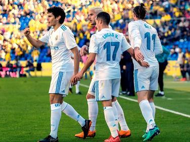 Bale (dcha.) es felicitado por sus compañeros tras su tanto. (Foto: Imago)