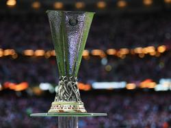 War kurzfristig verschwunden: Die Europa-League-Trophäe