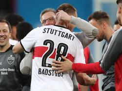 Stuttgarts Holger Badstuber (Mitte) hat die Erwartungen an ihn mehr als erfüllt