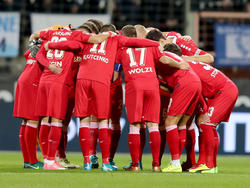 Jubel beim MSV Duisburg nach dem Sieg gegen Aue