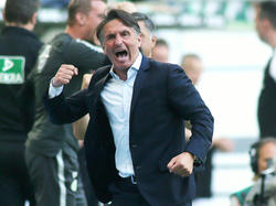 Bruno Labbadia ließ den Emotionen nach dem Spiel für einen kurzen Moment freien Lauf
