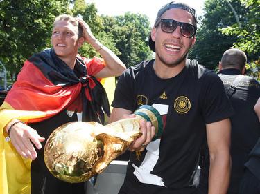 Bastian Schweinsteiger (li.) und Lukas Podolski haben bereits bewiesen, wie es geht