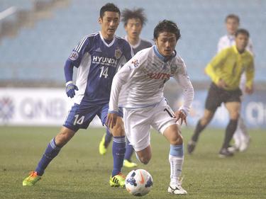 Ryota Oshima (r.)
