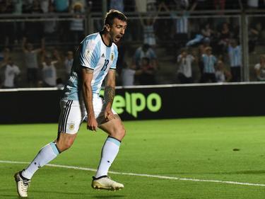 Lucas Pratto con la camiseta de Argentina en un duelo ante Colombia. (Foto: Imago)