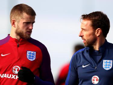 Southgate (dcha.) en un entrenamiento de la selección inglesa. (Foto: Getty)
