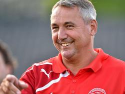 Peter Pacult bleibt Trainer in Floridsdorf
