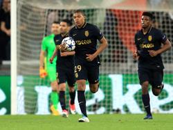 Monaco schied trotz des Treffers von Kylian Mbappé (m.) aus