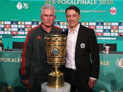 Jupp Heynckes und Niko Kovac (r.) duellieren sich um den Gewinn des DFB-Pokals