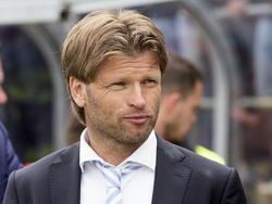 De Graafschap-trainer Jan Vreman kijkt rustig toe tijdens Go Ahead Eagles - De Graafschap. (25-05-2015)