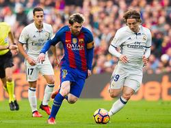 Modric en un encuentro frente al FC Barcelona. (Foto: Getty)