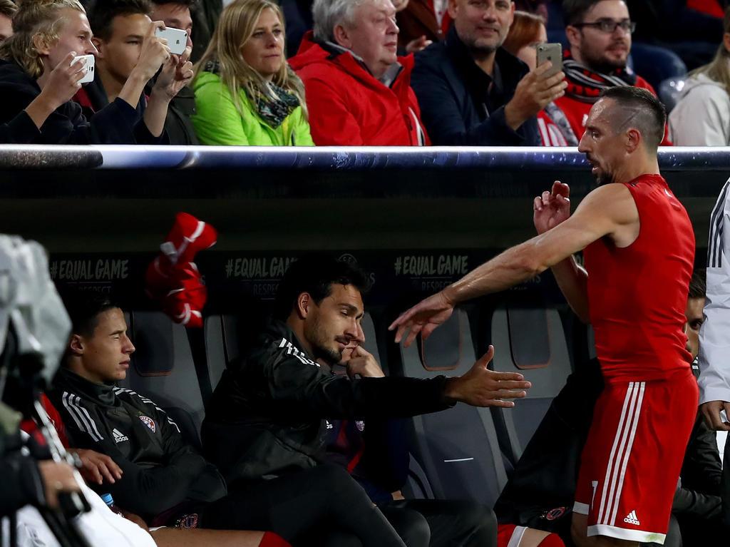 Franck Ribéry schleuderte sein Trikot nach seiner Auswechselung auf die Bank