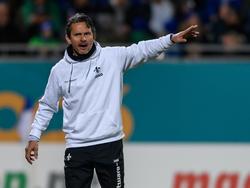 Dirk Schuster und Darmstadt 98 liegen mit 32 Punkten auf Rang 17