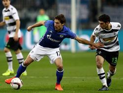 Benjamin Stambouli (l.) will sich auf Schalke durchsetzen
