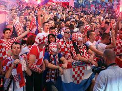 Seguidores de Croacia viendo el partido ante Argentina desde Zagreb. (Foto: Imago)