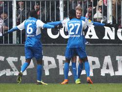 Holstein Kiel steht aktuell auf dem Relegationsplatz