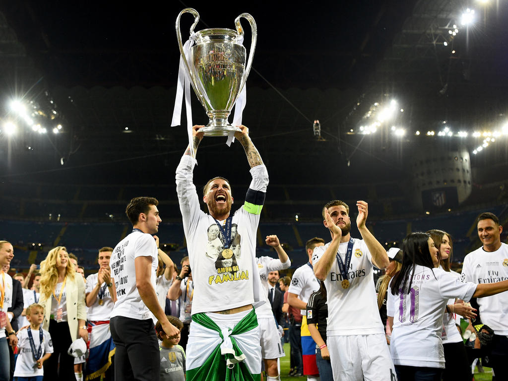 Sergio Ramos lift de Champions League-beker! (28-05-2016)