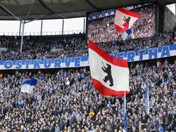 Die Fans in der Berliner Ostkurve sind nicht gut auf den FC Schalke zu sprechen
