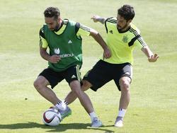 Die Real-Stars Dani Carvajal (l.) und Isco verpassen die EM