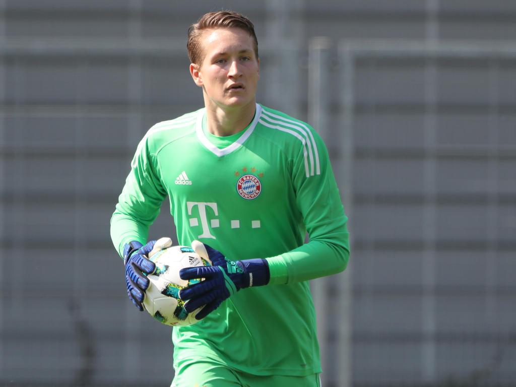 Ron-Thorben Hoffmann wird von den Bayern mit einem Profivertrag ausgestattet