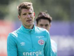 Stijn Schaars traint in de zoektocht naar een nieuwe club mee met zijn oude werkgever PSV. (15-07-2016)