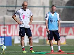 Verlängert der FC Bayern mit Arjen Robben (l.) und Franck Ribéry?
