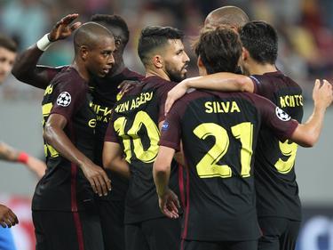 El Manchester City celebra el quinto tanto logrado en Bucarest. (Foto: Imago)