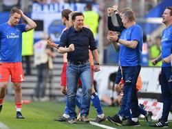 Christian Titz (M.) hat für neuen Schwung beim Hamburger SV gesorgt