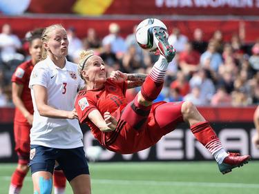 Anja Mittag (dcha.) marcó el único tanto de las alemanas. (Foto: Getty)