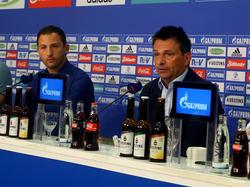 Domenico Tedesco (l.) bekam erneut Zuspruch von Sportvorstand Christian Heidel