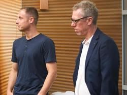 Kölns Kapitän Matthias Lehmann stärkt Trainer Peter Stöger den Rücken