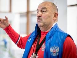 Russlands Nationaltrainer Stanislav Cherchesov will sich von Medien-Debatten über Doping nicht aus der Ruhe bringen lassen