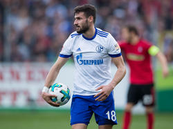 Schalkes Daniel Caligiuri im Spiel gegen den SC Freiburg