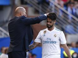 Isco (r.) soll laut Zinédine Zidane seinen Vertrag in Madrid erfüllen