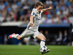 Modric lanza a puerta en el duelo Champions contra el Bayern en abril. (Foto: Getty)