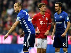 Schalkes Holger Badstuber (l.) musste gegen die Bayern vorzeitig vom Feld