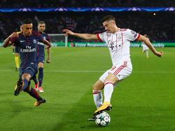 Bayern-Stürmer Robert Lewandowski wird wohl seinen Vertrag erfüllen müssen