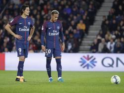 Cavani (l.) und Neymar zofften sich während der Partie gegen Olympique Lyon