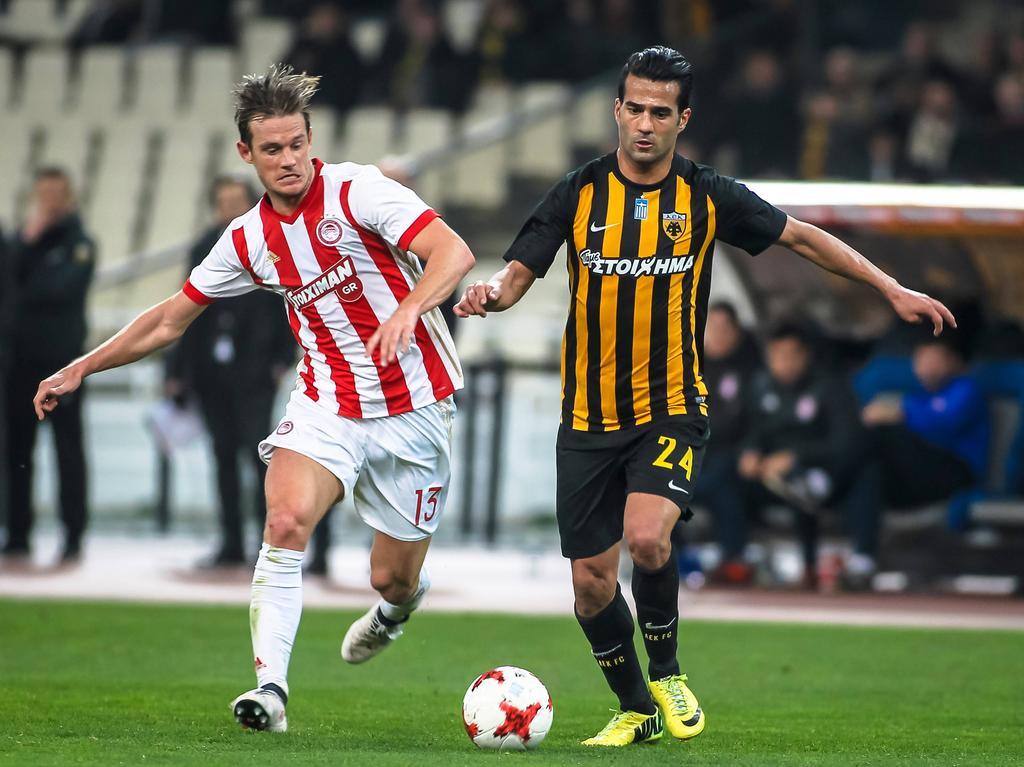 Wenn Olympiakos und AEK aufeinander treffen, gibt's oft Brösel