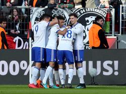 Schalke 04 feiert Sechs-Punkte-Sieg bei Bayer Leverkusen