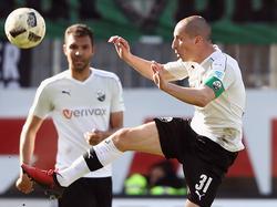 Stefan Kulovits (r.) bleibt Sandhausen erhalten