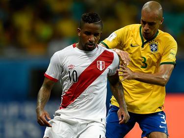 Jefferson Farfán con Perú contra Brasil. (Foto: Getty)
